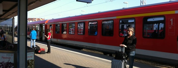 Hildesheim Hauptbahnhof is one of Ausgewählte Bahnhöfe.