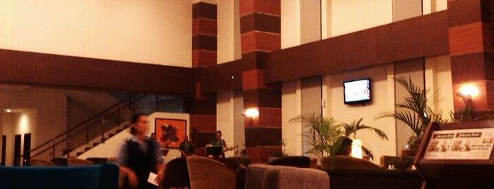 Hotel Menara Bahtera is one of BALIKPAPAN.