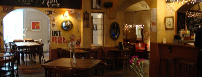Wildes Wine Bar is one of Leamington Spa.