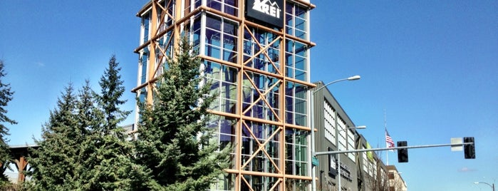 REI is one of Top 10 favorites places in Seattle, WA.