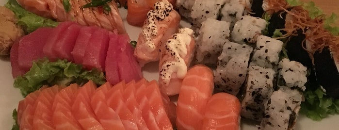 Town Sushi Bar is one of Top picks for Sushi in Porto Alegre.