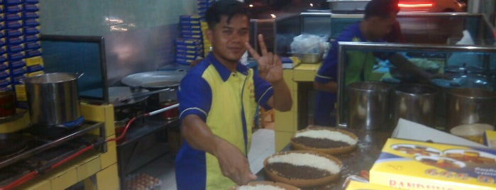 Martabak Bandung 999 is one of Must Visit Places in Jakarta ( Indonesia ).