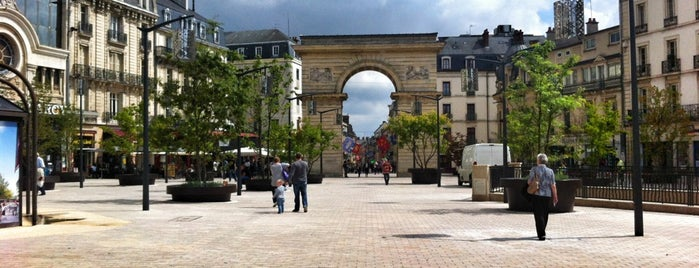 Place Darcy is one of Dijon : rues & places.