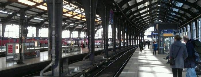Bahnhof Berlin Friedrichstraße is one of I Love Berlin!.