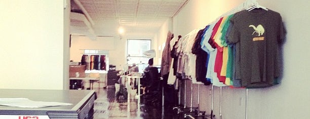 BustedTees HQ is one of Awesome NYC Startups.