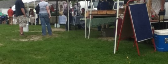 Middlebury Farmers' Market is one of Town hangouts for students.