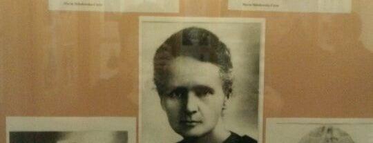 Muzeum Marii Sklodowskiej Curie is one of StorefrontSticker #4sqCities: Warsaw.