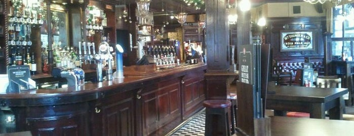 Doctors Bar is one of Edinburgh.