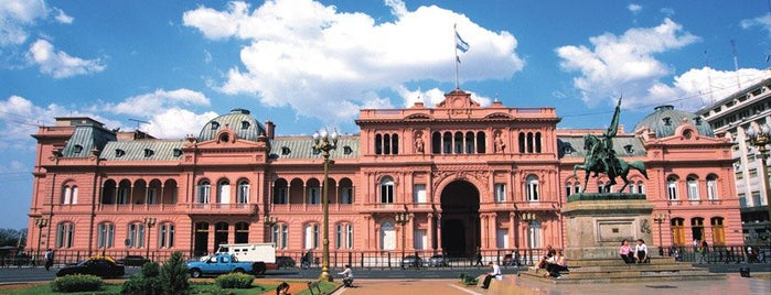 Casa Rosada is one of Top 10 Lugares históricos.