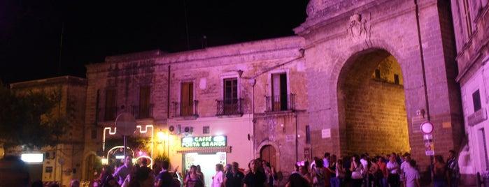 Porta Grande is one of Cosa visitare.