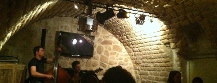Le Komptoir is one of Bars du Jeudi.