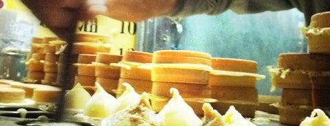 光華紅豆餅 is one of Yummy Food @ Taiwan.