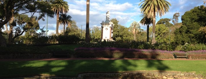 Queen Victoria Gardens is one of Quintessential Melbourne.
