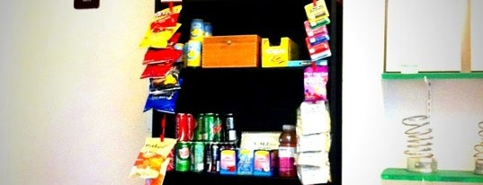 Joe's Cold Beverages is one of #MayorTunde's Past and Present Mayorships.