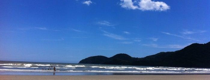 Praia do Guaraú is one of Peruibe.