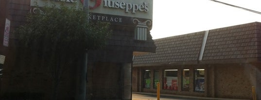 Uncle Giuseppes' Market is one of Delverde Pasta.