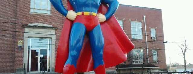 Giant Superman Statue is one of Sufjan Steven's Illinois.