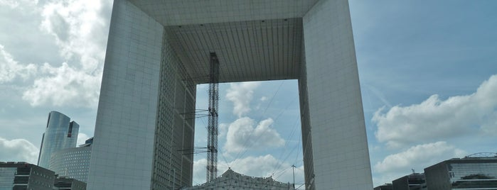 Grande Arche de la Défense is one of Paris.