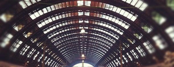 Stazione Milano Centrale is one of 101Cose da fare a Milano almeno 1 volta nella vita.