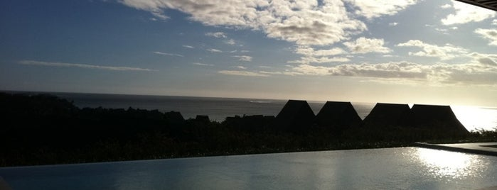 InterContinental Fiji Golf Resort & Spa is one of Incredible Pools.