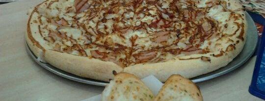 Domino's Pizza is one of Donde comer y dormir en cordoba.