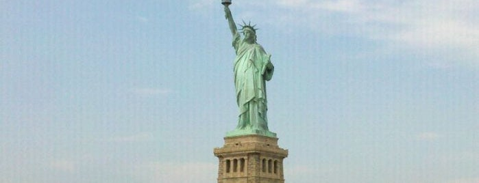 Statue of Liberty is one of Top 10 favorites places in New York.