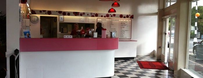 Ollies Burgers And Ice Cream is one of Auckland.