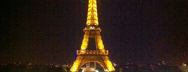 Tour Eiffel is one of Paris must see.