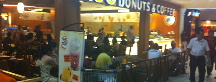 J.Co Donuts & Coffee is one of Venue Of Mal Bali Galeria.