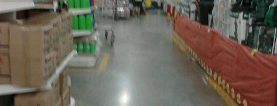 Makro is one of CAMPINAS.
