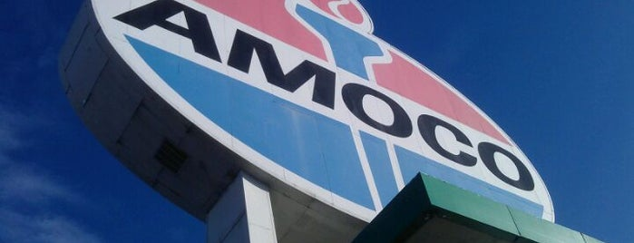 World's Largest Amoco Sign is one of Best Places in #STL #visitUS.