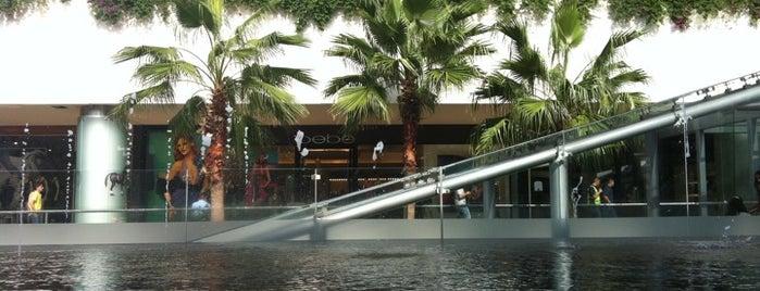 Centro Comercial Andares is one of Centros Comerciales Guadalajara.