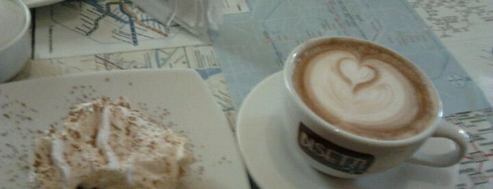 Arábica Espresso Bar is one of Cafés en Lima.