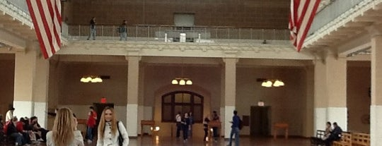 Ellis Island is one of Mis lugares más queridos !.