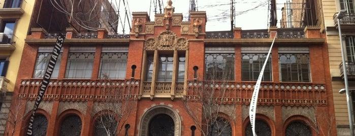 Fundació Antoni Tàpies is one of Museus i monuments de Barcelona (gratis, o quasi).