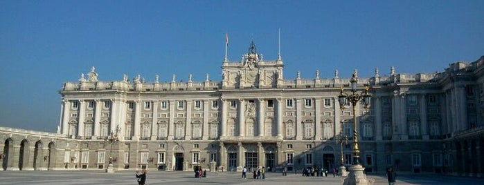 Palacio Real de Madrid is one of Conoce Madrid.