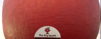 The Big Apple is one of Buildings Shaped Like the Food They Serve.