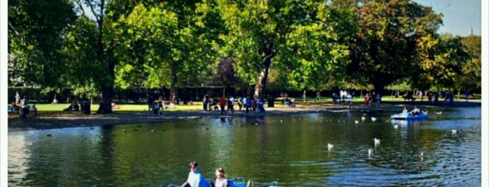 Regent's Park is one of London City Badge - London Calling.