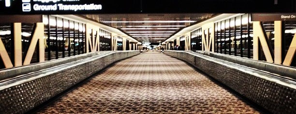 Phoenix Sky Harbor International Airport (PHX) is one of I Love Airports!.