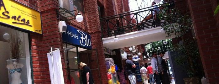 Pueblo del Inglés is one of Shopping en Stgo..