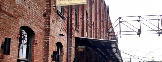 BridgePort Brewery & Brewpub is one of Vegan Portland.