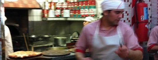 Güerrín is one of Las Mejores Pizzerias en Bs As.