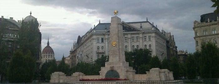 Szovjet Hősi Emlékmű (Soviet 2nd WW Memorial) is one of budapest.