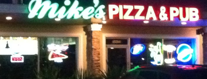 Mike's Pizza & Pub is one of Bitchin' Guide to Indian Rocks Beach.
