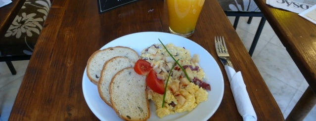 Szendzso Reggeliző Kávézó is one of Egy nap a városban: A legjobb reggeli nyomában.
