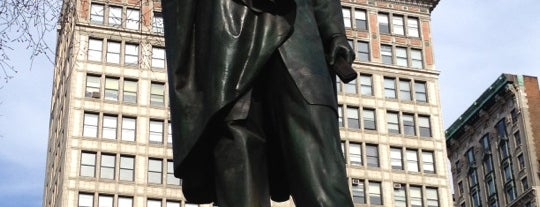 "Abraham Lincoln Statue is one of ""Be Robin Hood #121212 Concert"" @ New York!."