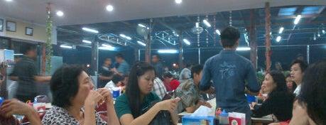 Sea Food Pantai Mutiara is one of Favorite Food.