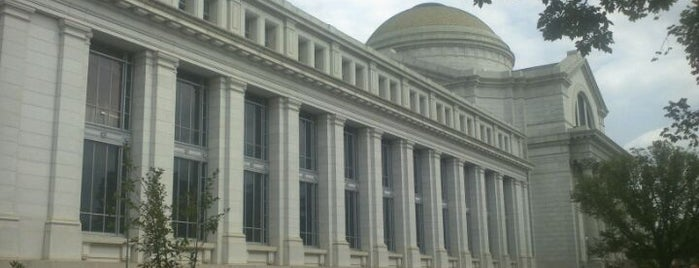 National Museum of American History is one of Must see places in Washington, D.C..