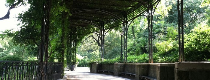 Central Park - Conservatory Garden is one of Weekend Chill - Been Meaning to Do....