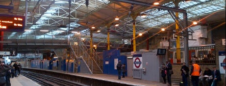 Farringdon Railway Station (ZFD) is one of Railway Stations in UK.
